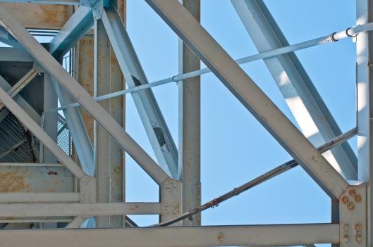 Boat loading crane supports